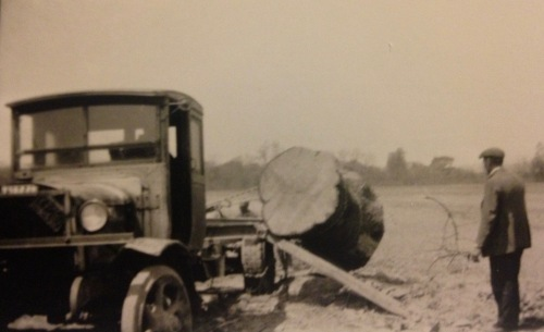 Loading load on Rapp farm - c1920s